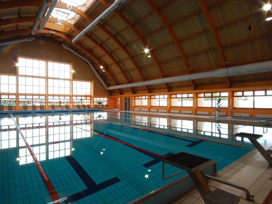 hallenbad-sportbecken-jufa-vulkan-thermen-resort-940x705